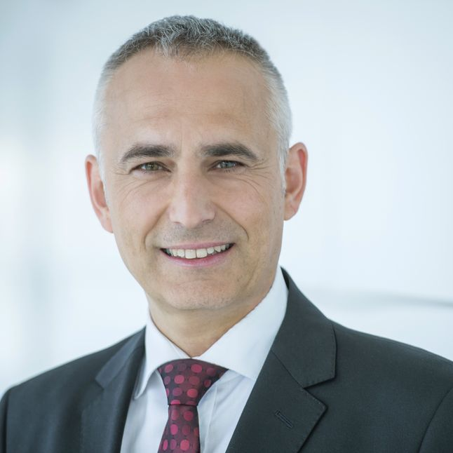 Picutre of Dr. Klaus Moosmayer, Chief Compliance Officer, Siemens AG