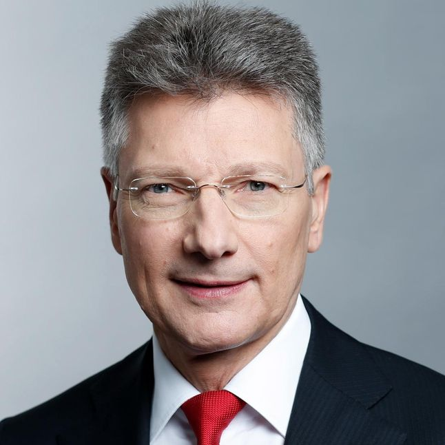 Picture of Dr. Elmar Degenhart, CEO Continental AG